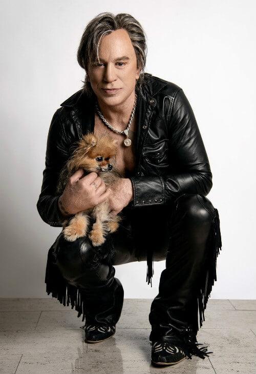 Микки Рурк с собакой чихуахуа