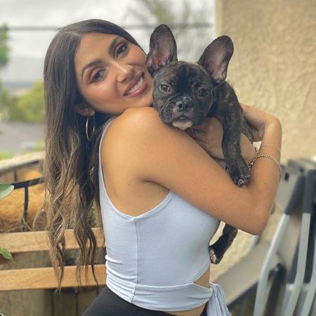Алондра Дельгадо: успешная актриса и «мама» 3 собак