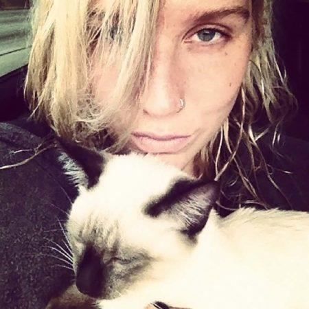 5 знаменитостей, не скрывающих своей любви к кошкам