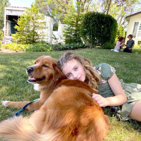 История Джуджу Бреннер, которая ещё слишком юна, чтобы иметь собственную собаку