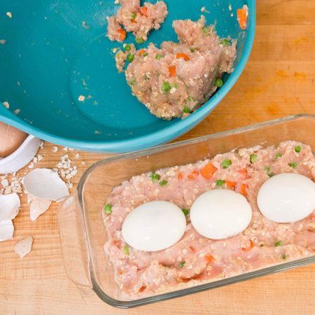 Здоровое питание для собак: мясной батон с начинкой